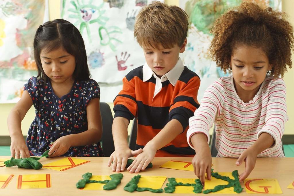 school-kids-playing-1024x683